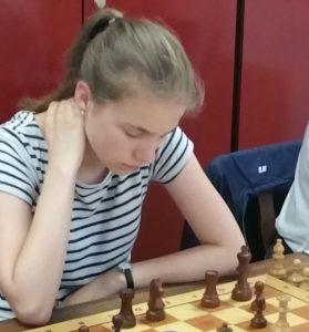 Für mich eine der Aufsteiger des Jahres: Cecilia Lange! Sie zeigt einen sehr starken und steilen Aufwärtstrend... und heute setzte sie mit ihrem Sieg über Josef Gelman weitere Akzente.