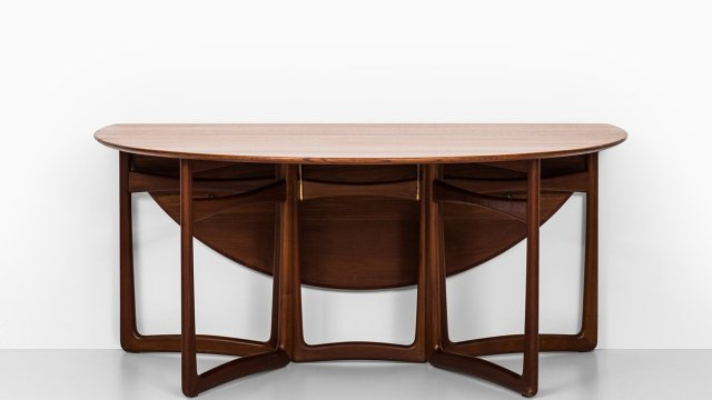 Peter Hvidt & Orla Mølgaard-Nielsen dining table at Studio Schalling