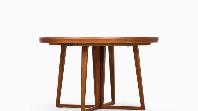 Helge Sibast dining table in teak at Studio Schalling