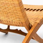 Hans Wegner folding chair in oak and cane at Studio Schalling