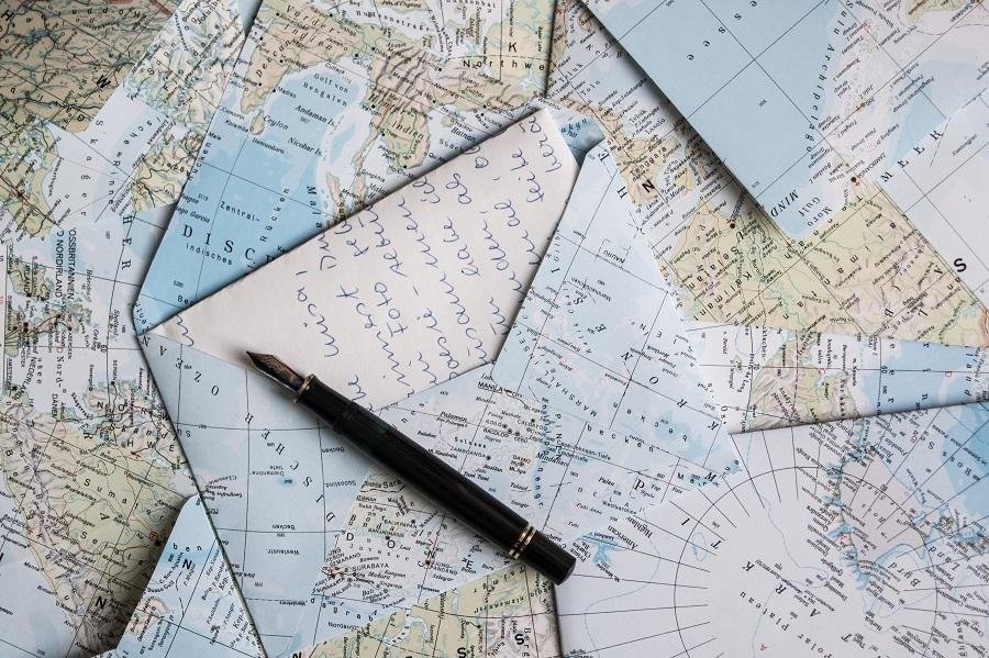 Eine Ode an den Brief: Landkarten-Upcycling