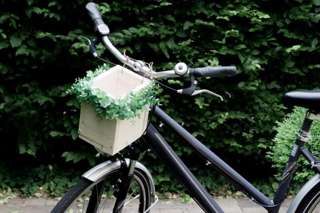 schereleimpapier DIY und Upcycling Blog aus Berlin - kreative Tutorials für Geschenke, Möbel und Deko zum Basteln – DIY Fahrradkorb