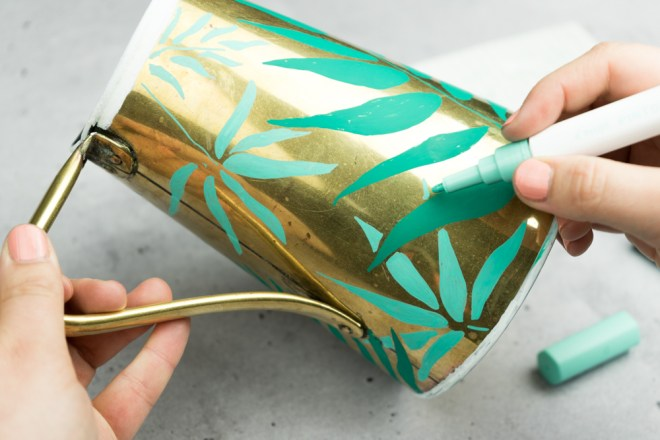 Upcycling DIY Kanne Messing tropical - - schereleimpapier DIY und Upcycling Blog aus Berlin - kreative Tutorials für Geschenke, Möbel und Deko zum Basteln