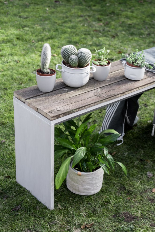 diy gartenbank selber bauen ein upcycling projekt mit altholz. Black Bedroom Furniture Sets. Home Design Ideas
