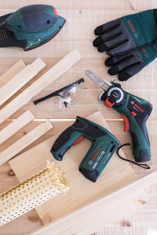 Plant Stand DIY aus Holz und Geflecht- kreative Tutorials für DIY Geschenke, DIY Möbel und DIY Deko zum Basteln