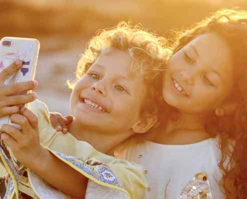 Auch Kids machen Selfies