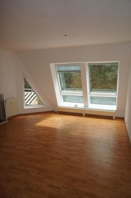 Helle und lichtdurchflutete 3-Zimmer-DG-Wohnung in Stadtvilla in Velten, 16727 Velten, Dachgeschosswohnung