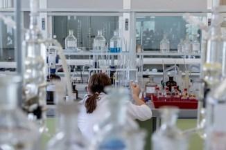 """Leak aus einem Labor! Wird massiv geschummelt? Deutlich weniger Tests beim Lockdown erzeugen deutlich weniger """"Inzidenzen"""""""