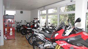 Unsere Motorradservice-Werkstatt mit Ausstellungsraum 002
