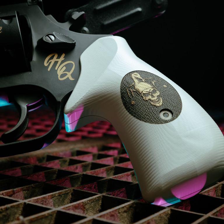 harley quinn's revolver