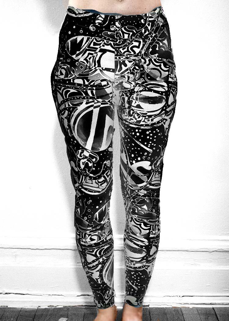 """Michelle's """"Bleach"""" Black & White Dark Print Leggings 20"""