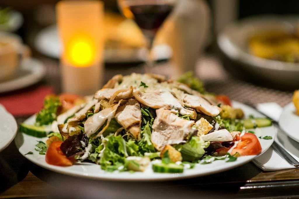 Salate und Pasta