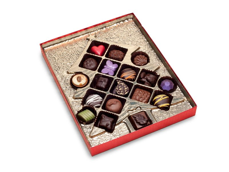 18 Piece Assorted Deluxe Chocolate Christmas Tree Gift Box