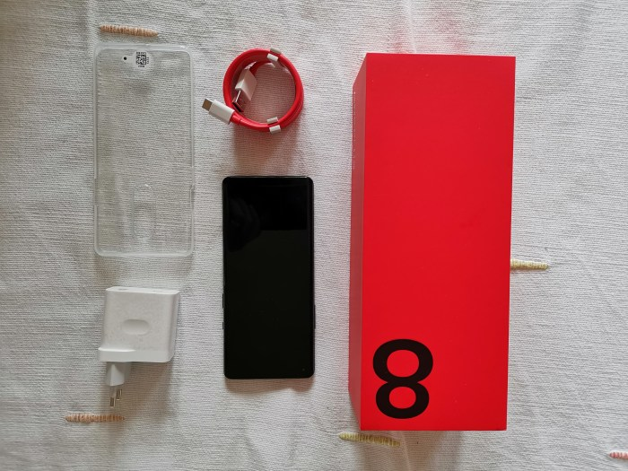 OnePlus 8 Pro Lieferumfang