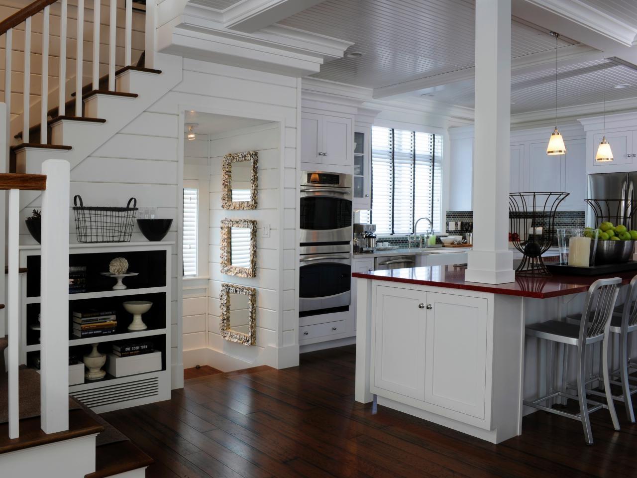 Kitchen Island With Support Columns Decoration