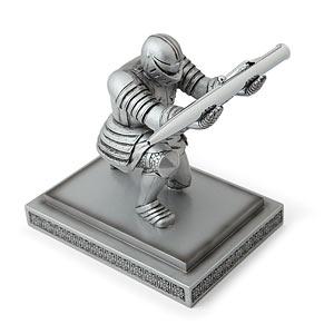 1543_executive_knight_pen_holder