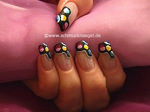 Retro Motif With Nail Lacquers In Diffe Colours