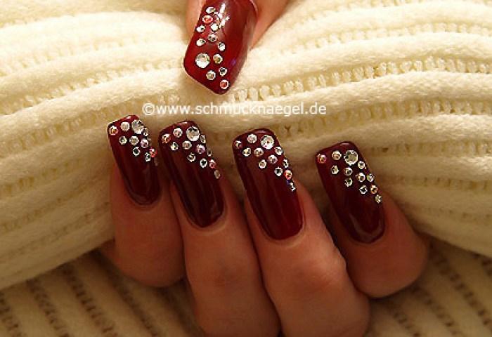 Uñas Decoradas Con Perlas Medias Y Piedras Strass Diseños De Uñas