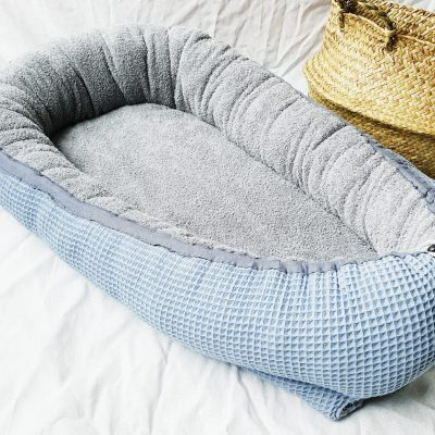 Baby-Cocoon Frottee dunkelgrau / Waffelpipue altblau