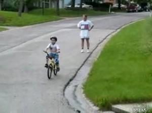 jungelerntfahrradfahren_wwwschneeseicherch