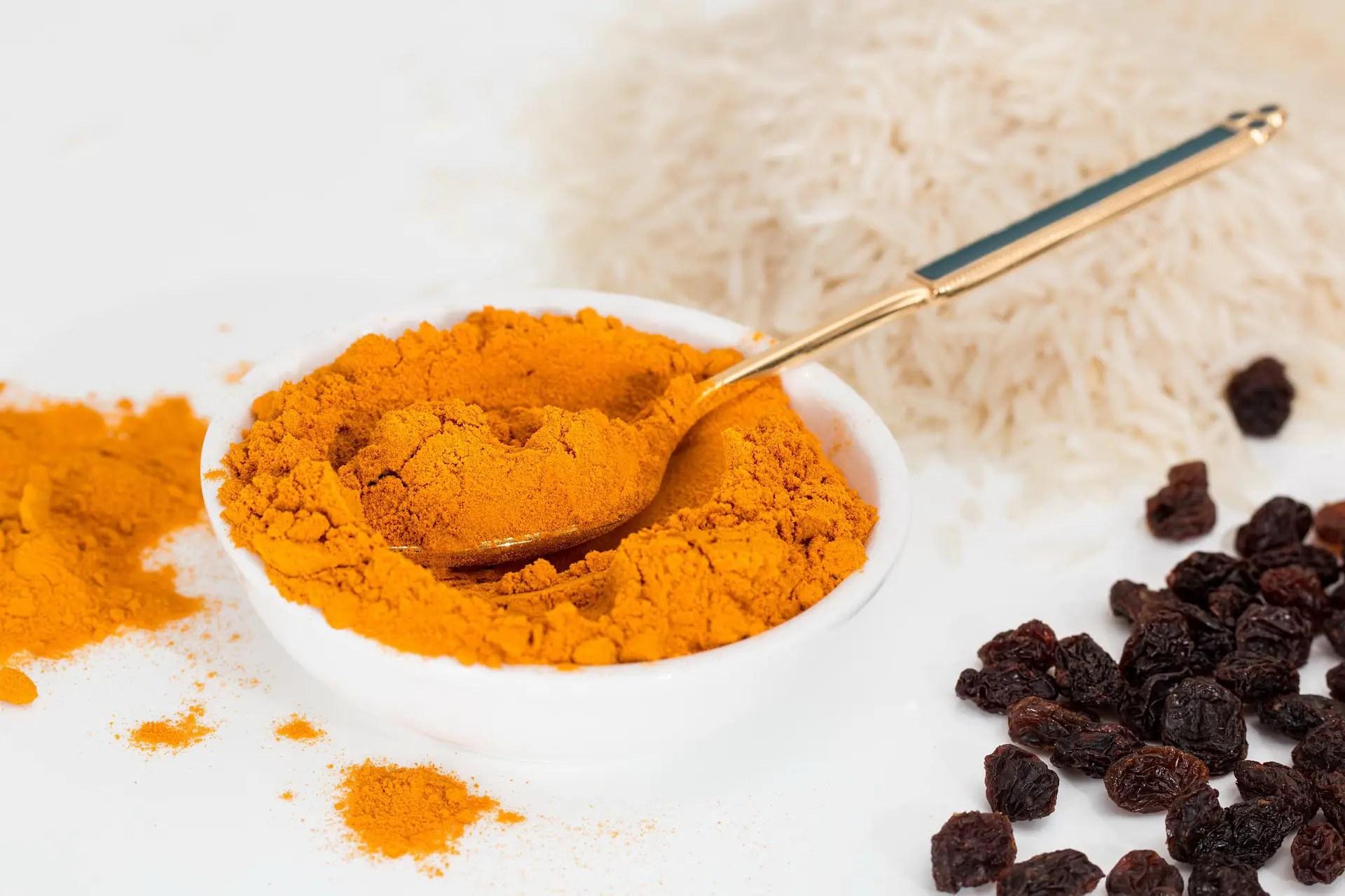 Putengulasch mit Currysauce