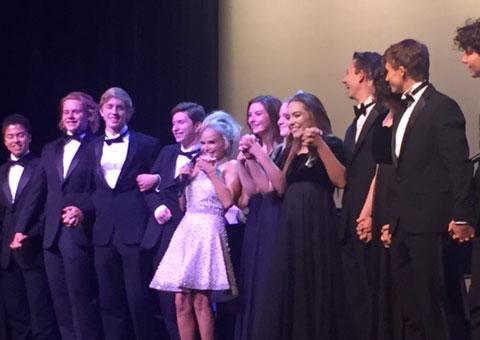 Kristen Chenoweth and the Tualatin High School choir perform at Portland Opera Gala