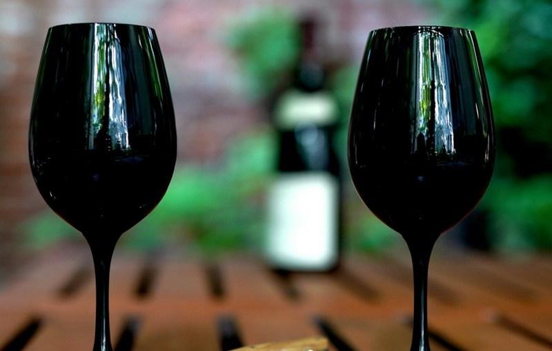 Blindflug Folge 1 – Wir müssen mehr über Wein reden