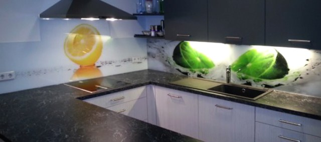 Küchenrückwand / Küchenrückwände aus Glas - Schober Glas