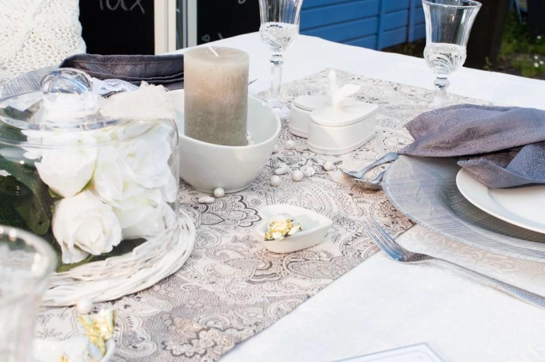 Hochzeitstischdeko mit Kerzen