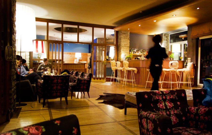 Bar Hotel Miramonte am Abend