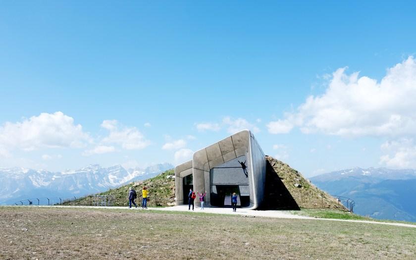 Messer Mountain Museum Corones im Sommer