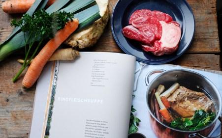 Frau Kaufmann kocht – Rezept für Rindfleischsuppe