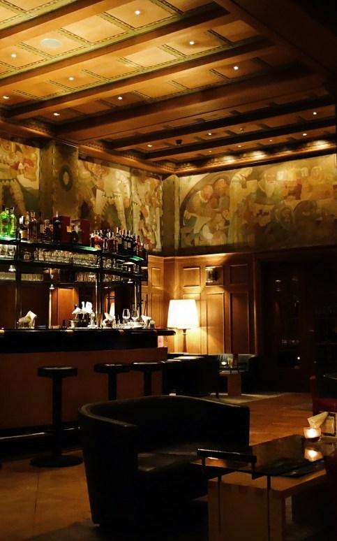 Laurin Bar mit Wandbild