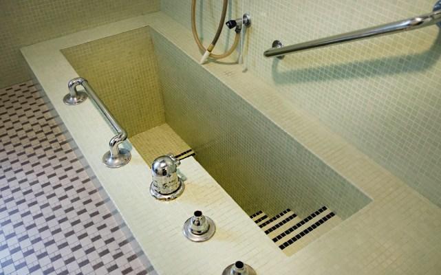 Römisches Bad in der Villa Excelsior