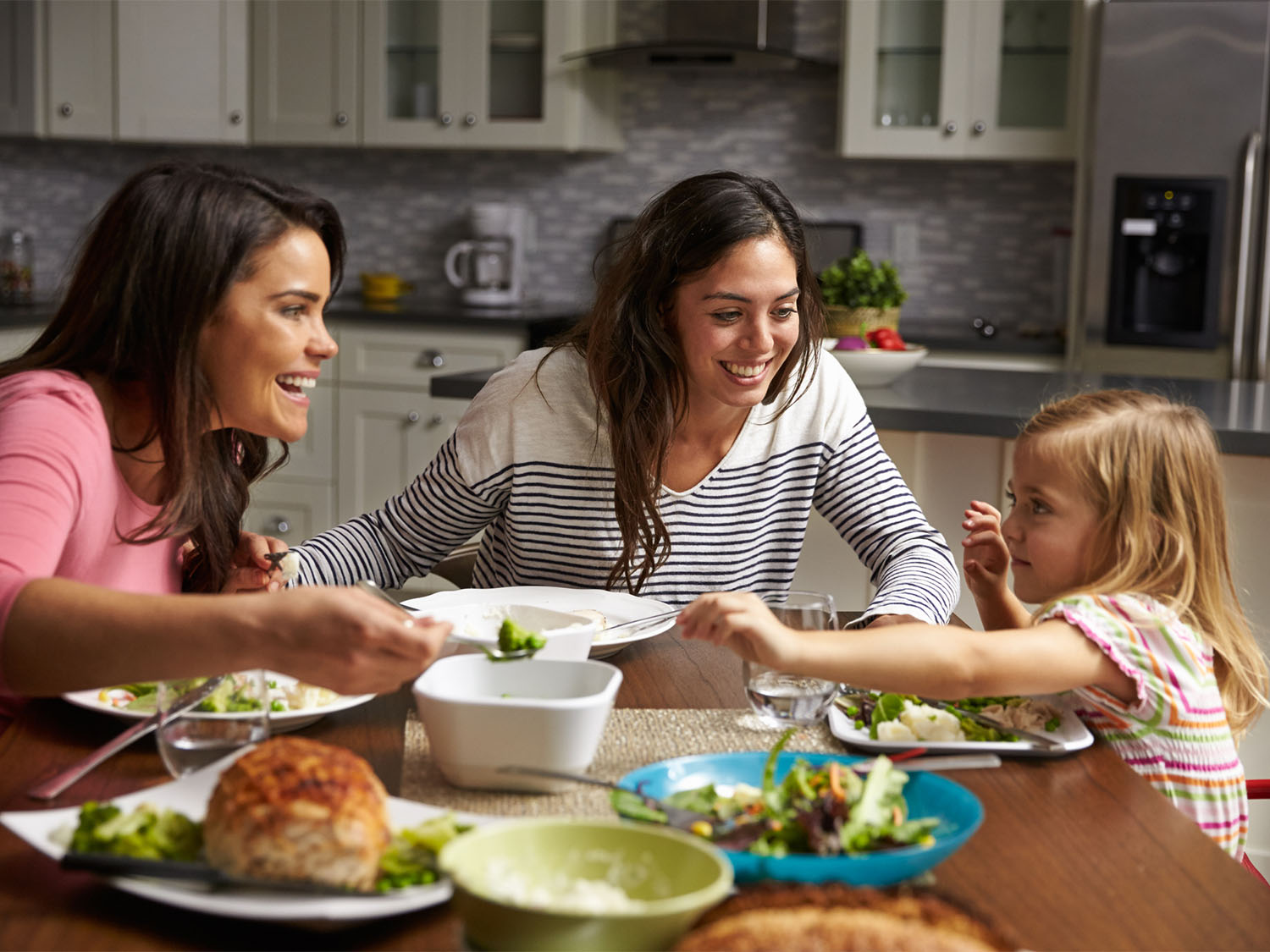 4 Tips For Teaching Table Manners To Kids