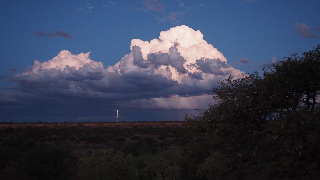 Blitz in der Kalahari