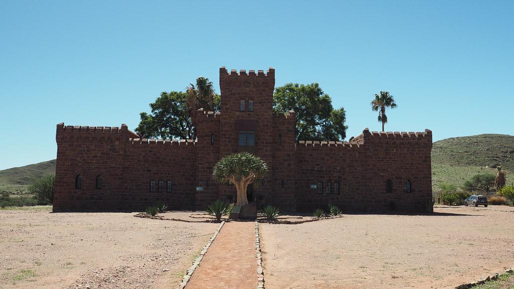 Foto: Außenansicht Schloss Duwisib in Namibia