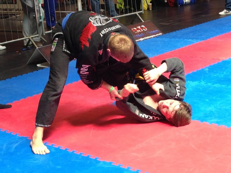 Luke Attacking the leg