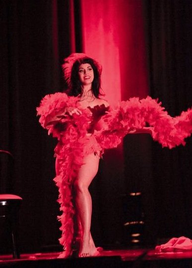 The New York School of Burlesque  Visiting Instructor Coco Lectric