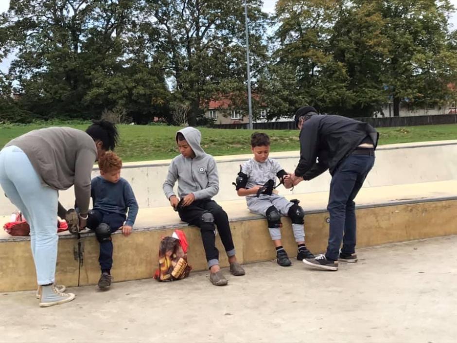 home education skateboarding lesson - padding up