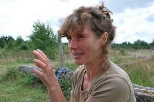 """Michaela Tiedt-Quandt schwärmt für die Forstwirtschaft. """"Du erlebst die Jahreszeiten, bist immer draußen – es ist einfach schön."""" Und so wundert es kaum, dass sie auch leidenschaftlich für den Naturschutz eintritt. (Foto: Lutz Reinhardt)"""