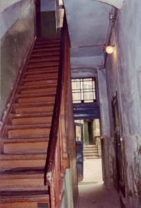 Treppe im Hinterhaus Foto: Petra Elsner