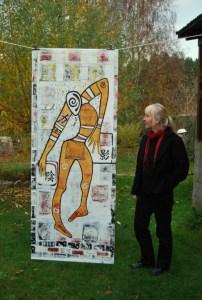 Bilderfahne: Der große Schattenfänger (214 x 84 cm) von und mit Petra Elsner: Foto: Lutz Reinhardt