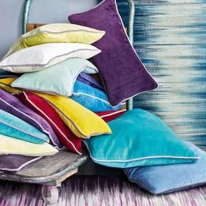 Samtkissen-mit-keder-diverse-farben-schoscha-einrichtungen-lindau