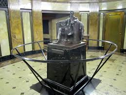 Lincoln tomb in Springfield, IL From: https://www.flickr.com/photos/40937690@N07/4855931228/