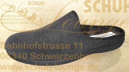 Mit warmen Füßen durch die kalte Jahreszeit kommen Sie mit diesem Herren-Pantoffel aus schwarzem Textilmaterial.