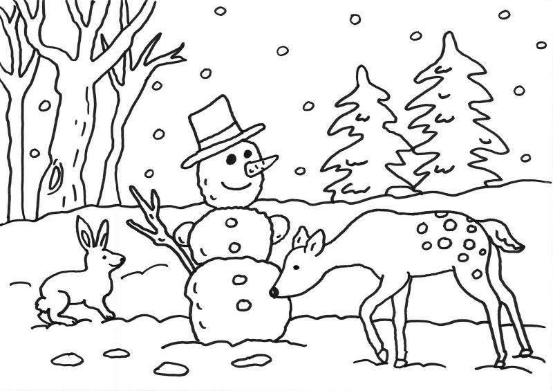 Ausmalbild Schneemänner Schneemann im Wald kostenlos