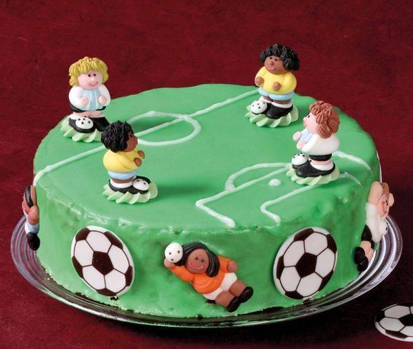 Rezepte fr Kinder  Kuchen und Torten FuballKuchen backen