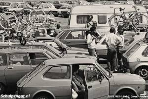 Den Helder – Drukte op het veerplein in 1983