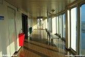 Het promenadedek van de veerboot Dokter Wagemaker is wat luxer uitgevoerd in vergelijking met de Molengat en Schulpengat.
